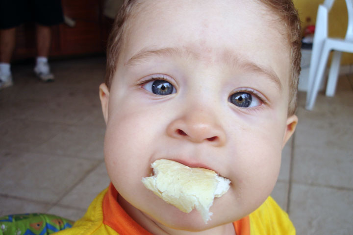 Your Baby is Nearing the Phase of Having Solid Foods