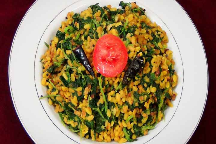 Healthy And Tasty Methi Moong Dal Khichdi