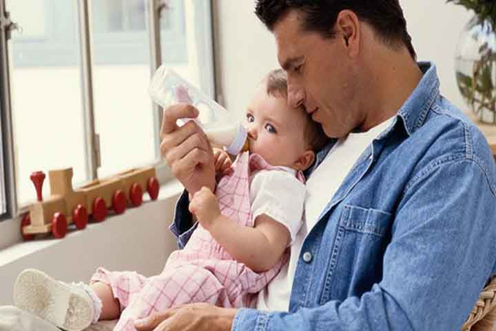 Your Baby's Feeding Sessions Need To Be Peaceful Now