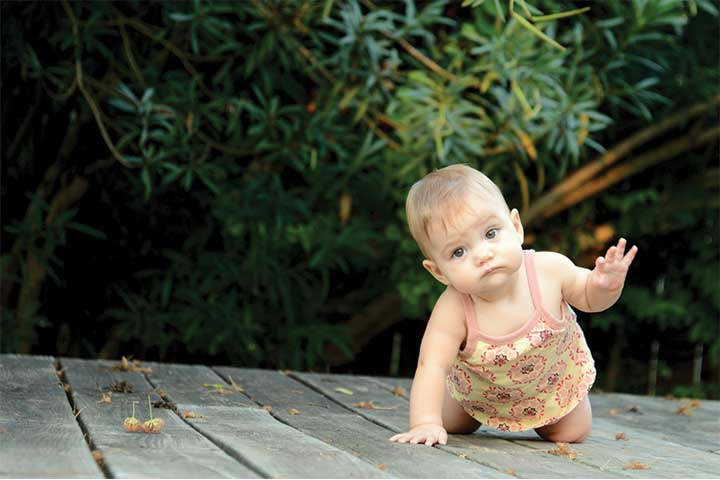 Your Baby is an Independent Explorer as He Crawls Now