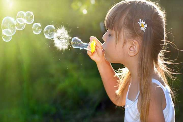 Did You Know Playing With Bubbles Perk Your Child's Brain Development?