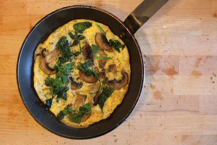 Delicious Cheesy Mushroom Omelette