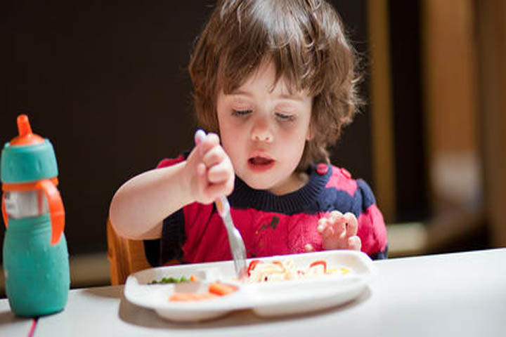 Quick Hacks to Make Your Child Not Fuss About Meals