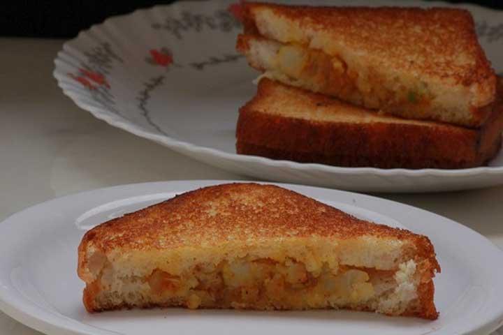 Aloo Toast Sandwich