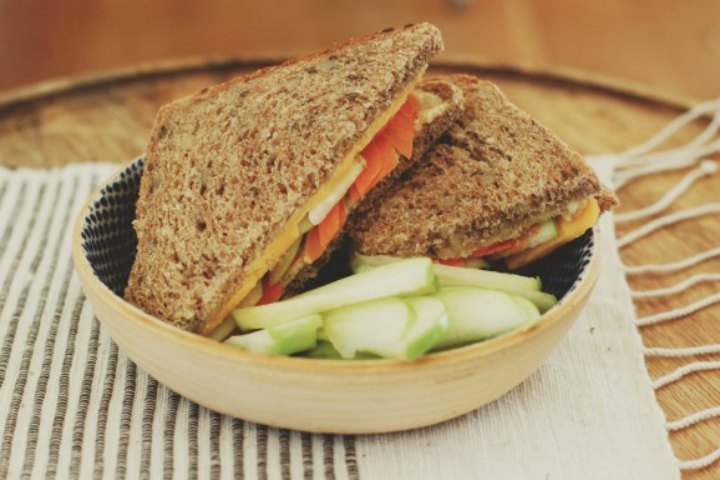 Yummy Apple And Carrot Sandwiches