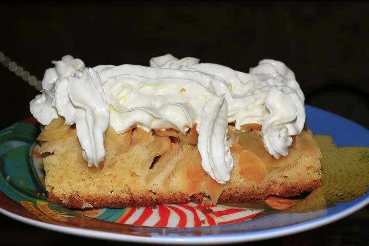 Apple And Cream Cheese Crostini
