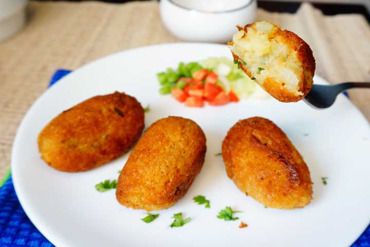 Bread Rolls with Stuffed Potatoes
