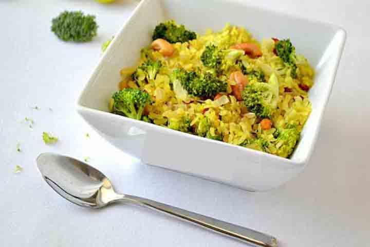 Healthy Broccoli Peanut Poha
