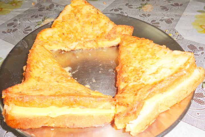 Cheesy Microwave Egg Bake