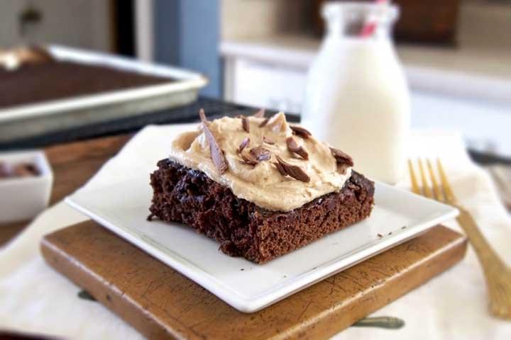 1 Minute Chocolate Biscoff Cake