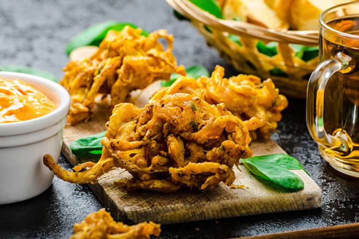 Crunchy Mixed Veggies Pakodas
