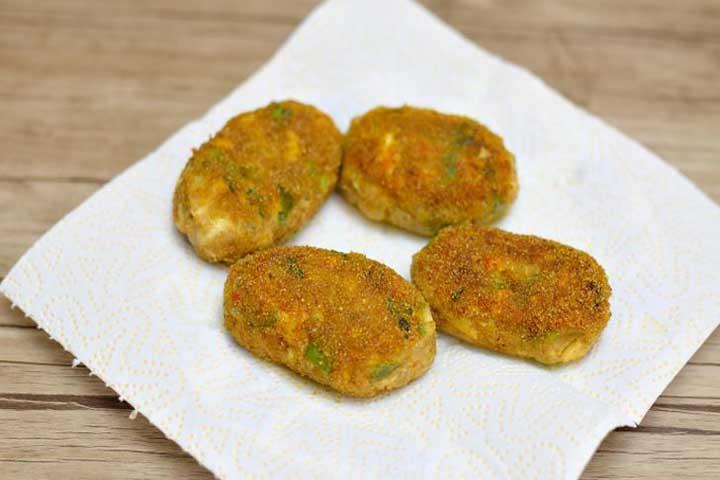 Crunchy Golden Mushroom Cutlets