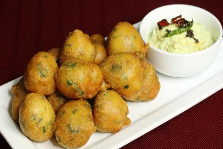 Hot and Spicy Mysore Bonda