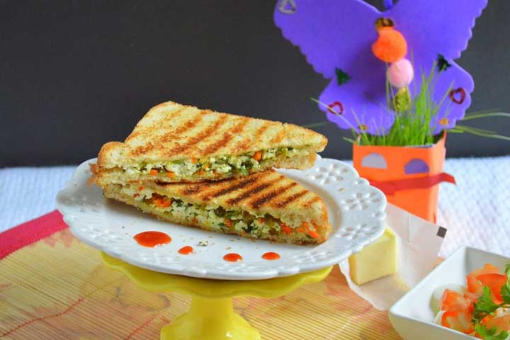 Matar Paneer Toast Sandwich