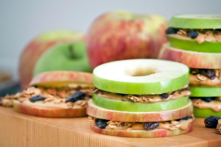 Mini Apple And Peanut Butter Sandwiches
