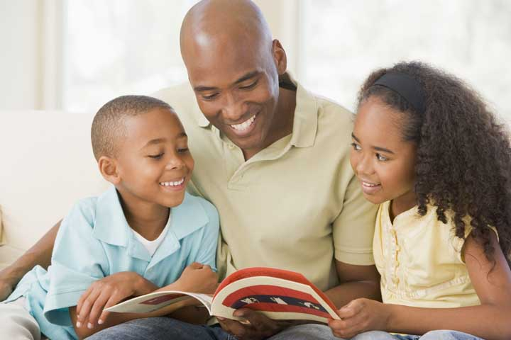 Your Child Still Loves It When You Read To Him