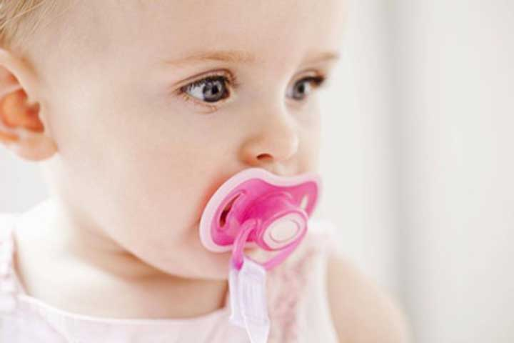 Your Baby's Reflexes Now Respond To A Finger Or A Pacifier