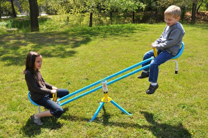 Your Kiddo Can Now Tell The 'Heavier' And 'Lighter' Side By Observing A See-Saw