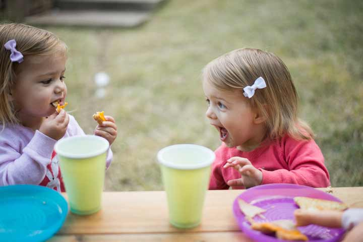 Your Child Will Indulge In Onlooker Play